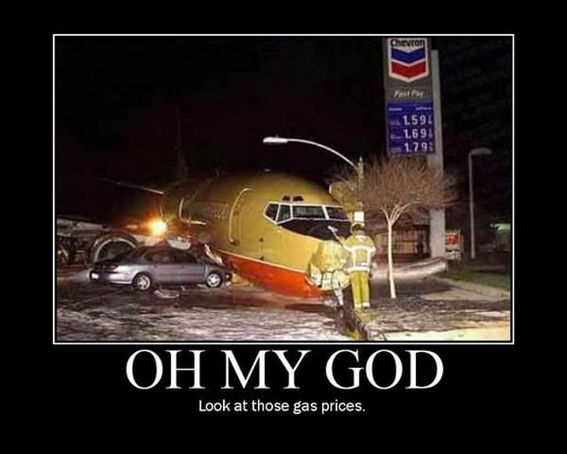 southwest airlines jet almost hits gas station march 2000