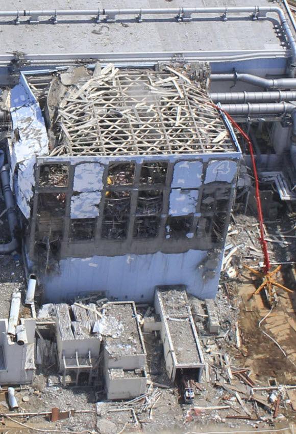 unit 4 fukushima image from 2011